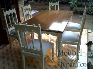 Set Meja Makan Klasik French MU-GP25